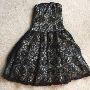 Fancy strapless little black dress - EUC